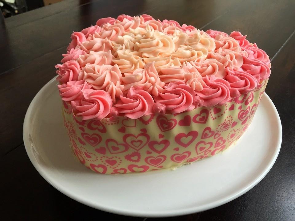 Hd Images Of Heart Cake : Heel Valkenburg Bakt tijdens Nationale Burendag RTV Katwijk